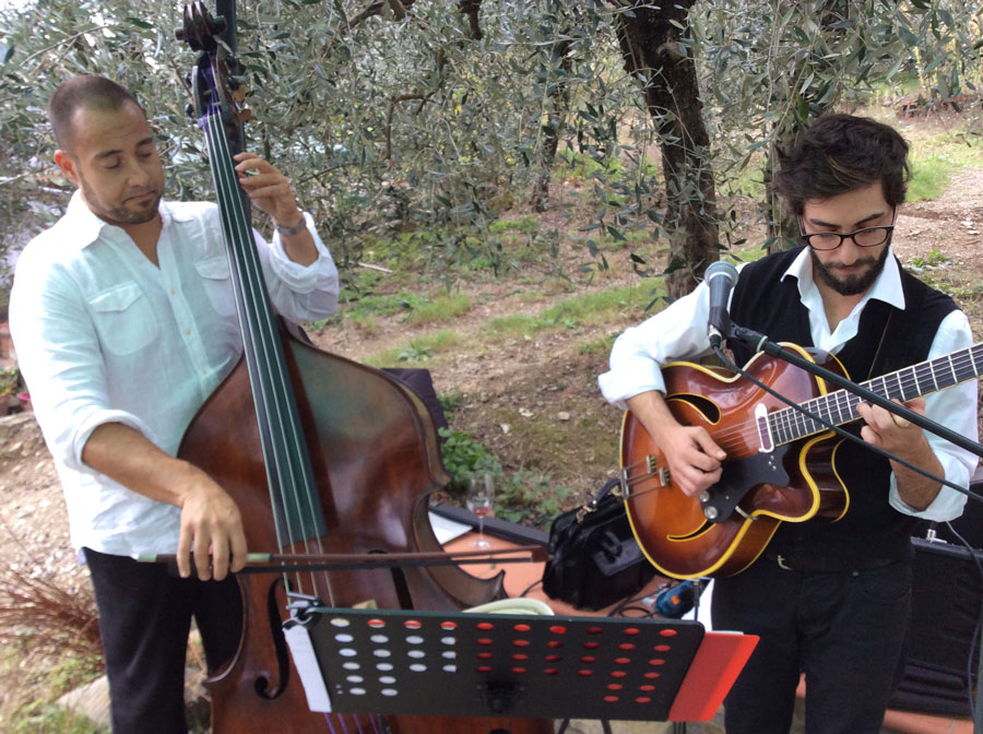 Italian Musicians Emiliano & Thomaso