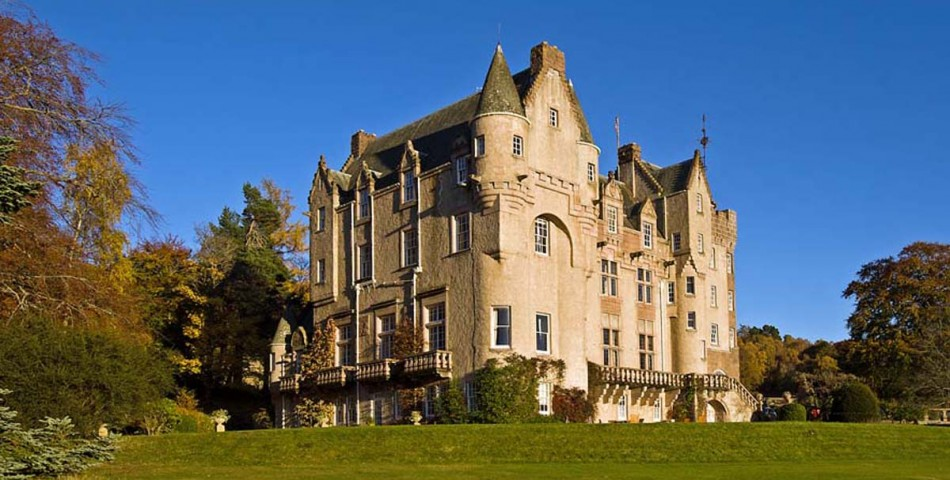 performing songwriter retreat in scotland with jonatha brooke