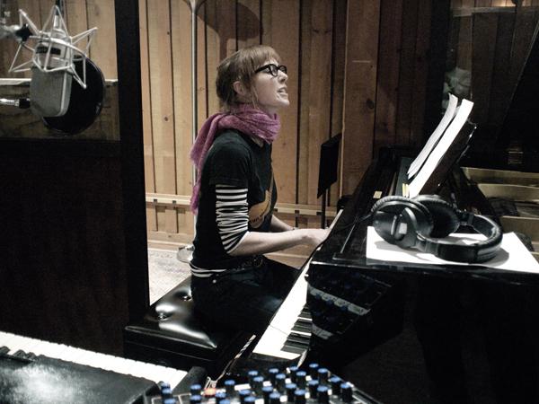 jonatha plays acoustic